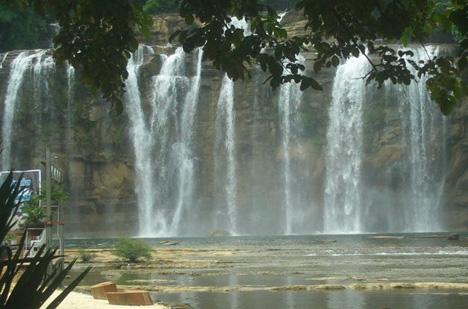 Tinuy-an Falls Wasserfälle 02